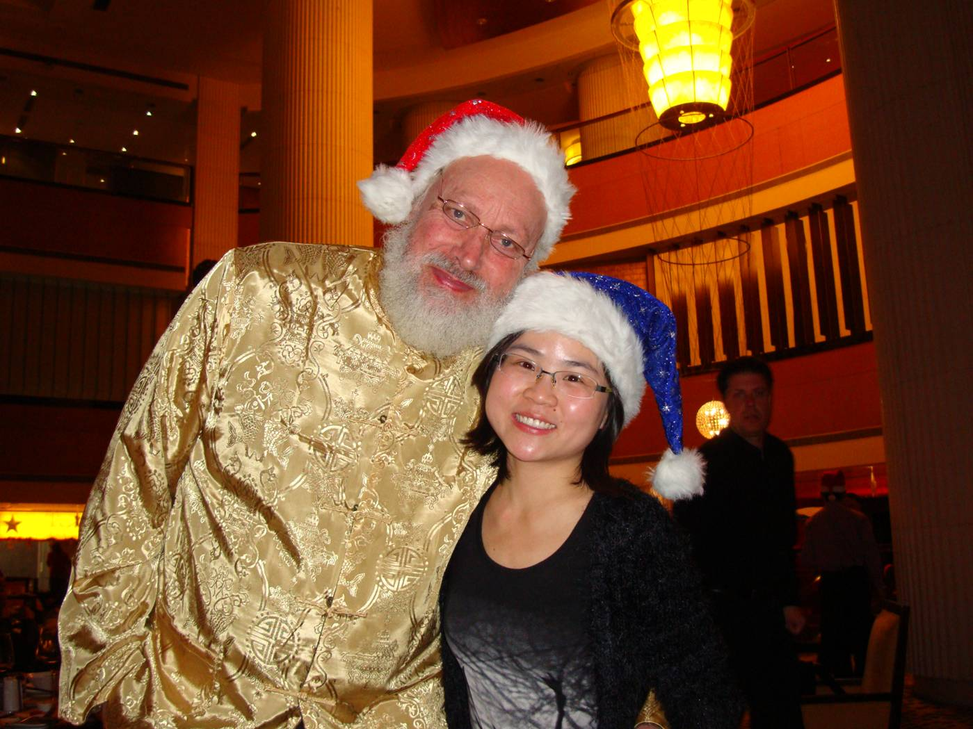 Picture:  Our former student, Lv Min, now works in Shanghai.  She could join us for the Christmas dinner.