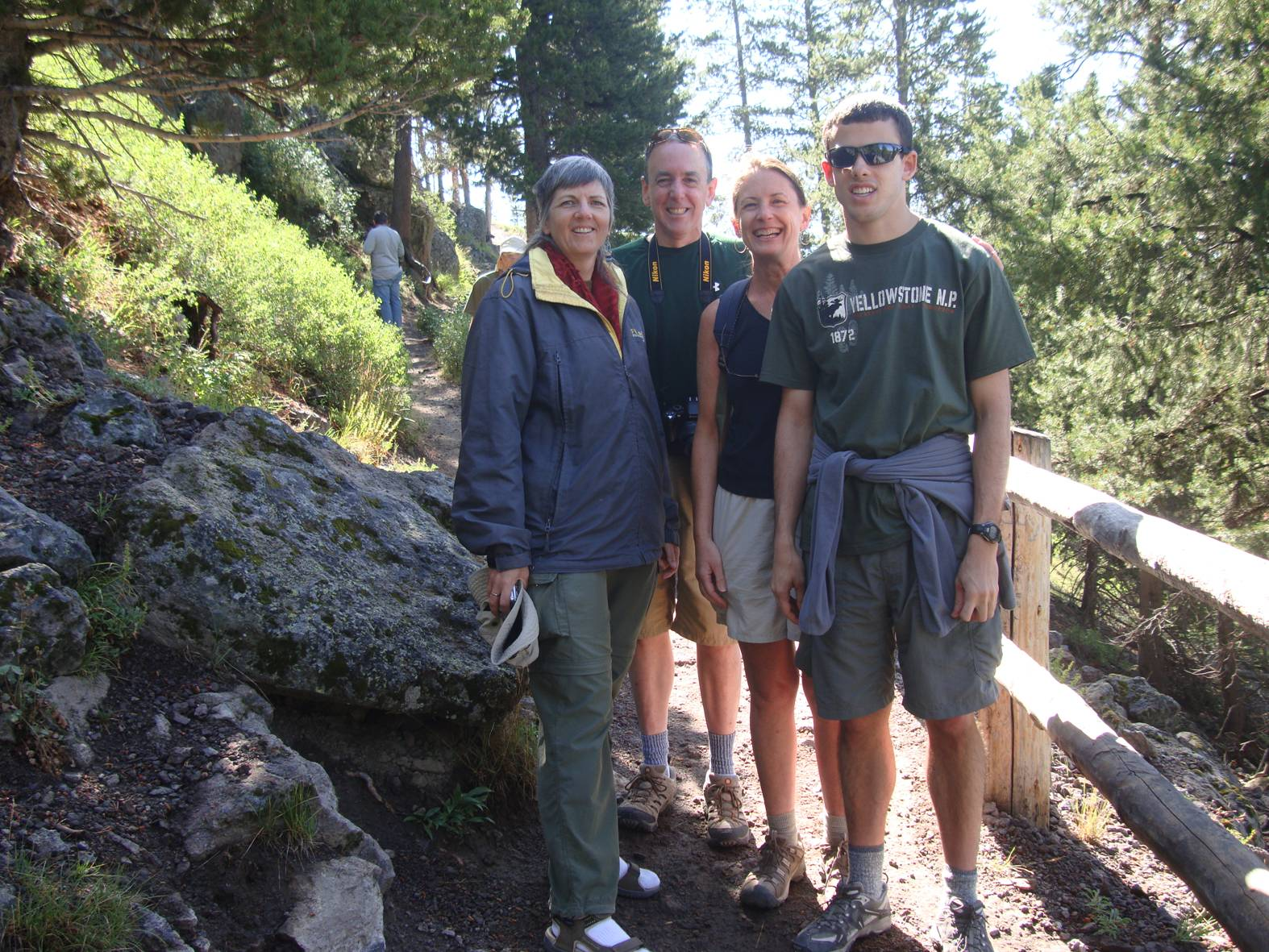 Picture: A family from... Louisiana?  Yellowstone trail to observation point.