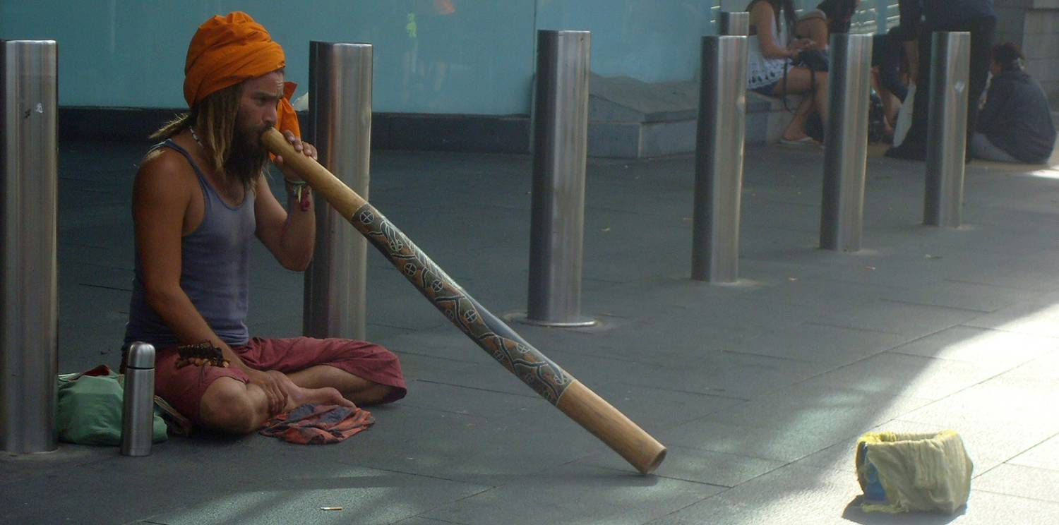 Double click the picture to see a video clip of the didgeridoo busker.  Melbourne, Australia