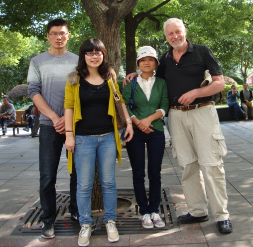 Picture:  For some reason, Chinese people want their picture taken with foreigners.