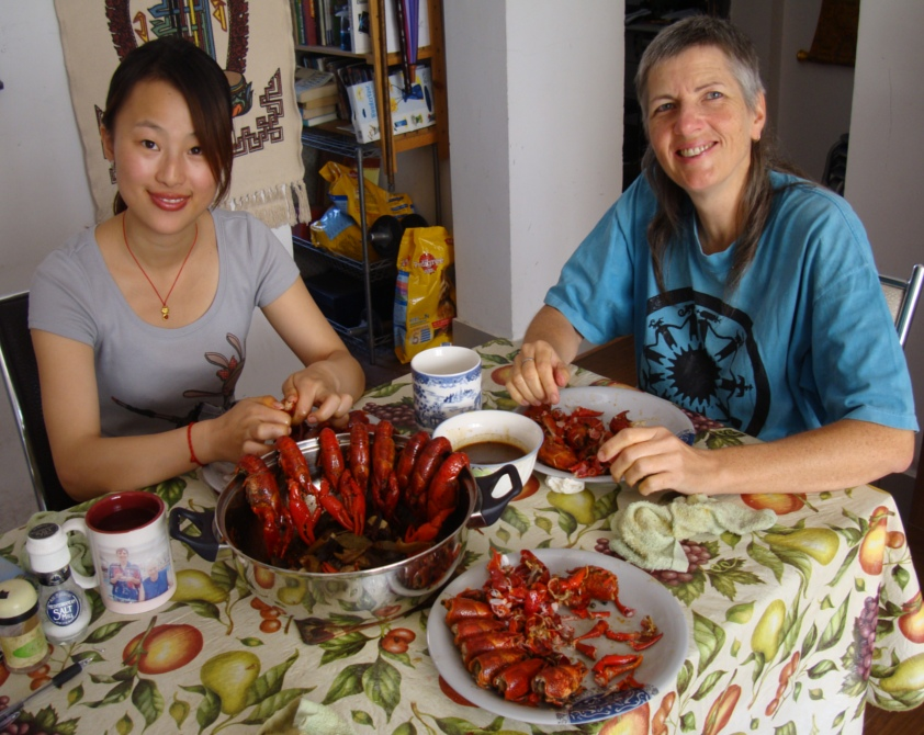 Picture:  Winkle and Ruth eat lobster