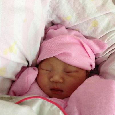 Wang Tao and Lu Ying have a baby.  Born November 30.  What a beauty she is.