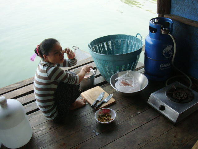 Picture: ready to cook on the barge, Sangkhlaburi, Thailand