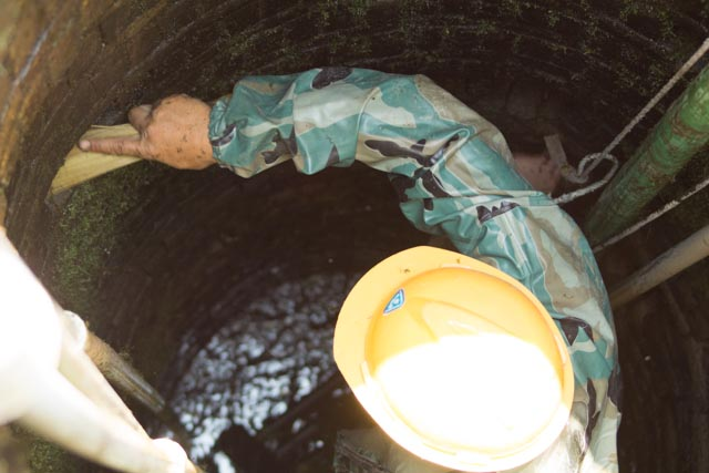 Picture: Cleaning the well in Shuibian, Jiangxi, China